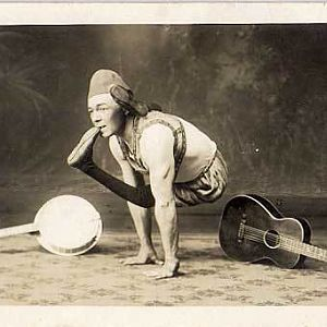 contortionist body flexability vintage1