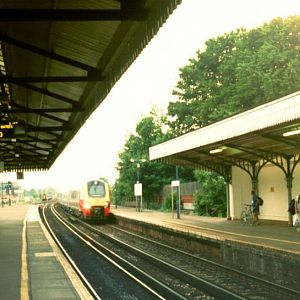 Voyager arriving at Basingstoke.  Not unusual now, but this was my first Voyager shot on the former SR. (Sep 2002)