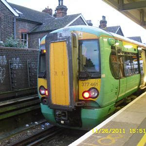 SN Class 377-461 standing at Tonbridge to form the 16:19 return to London Bridge