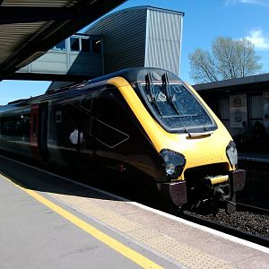 Cross Country Class 220 at Bristol Parkway, 06.05.2013