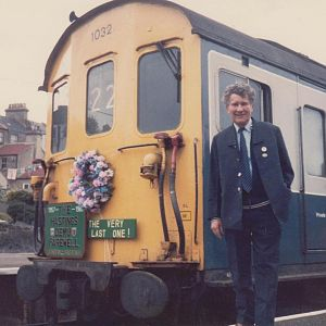 11 05 86 LAST DAY - Hastings on the final day of DEMU services - a black day we thought - but it all took a turn for the better in quick time as furth