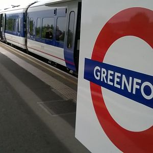 Chiltern Railways 165006 on loan to FGW at Greenford 12/08/2014
