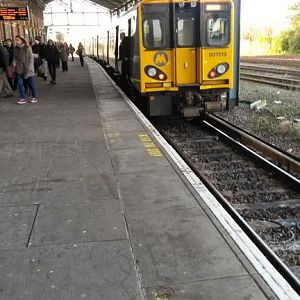 Chester, Merseyrail service