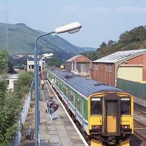 150202 forms the rear unit of a Aberystwyth to Birmingham service at Machynlleth, July 1994.