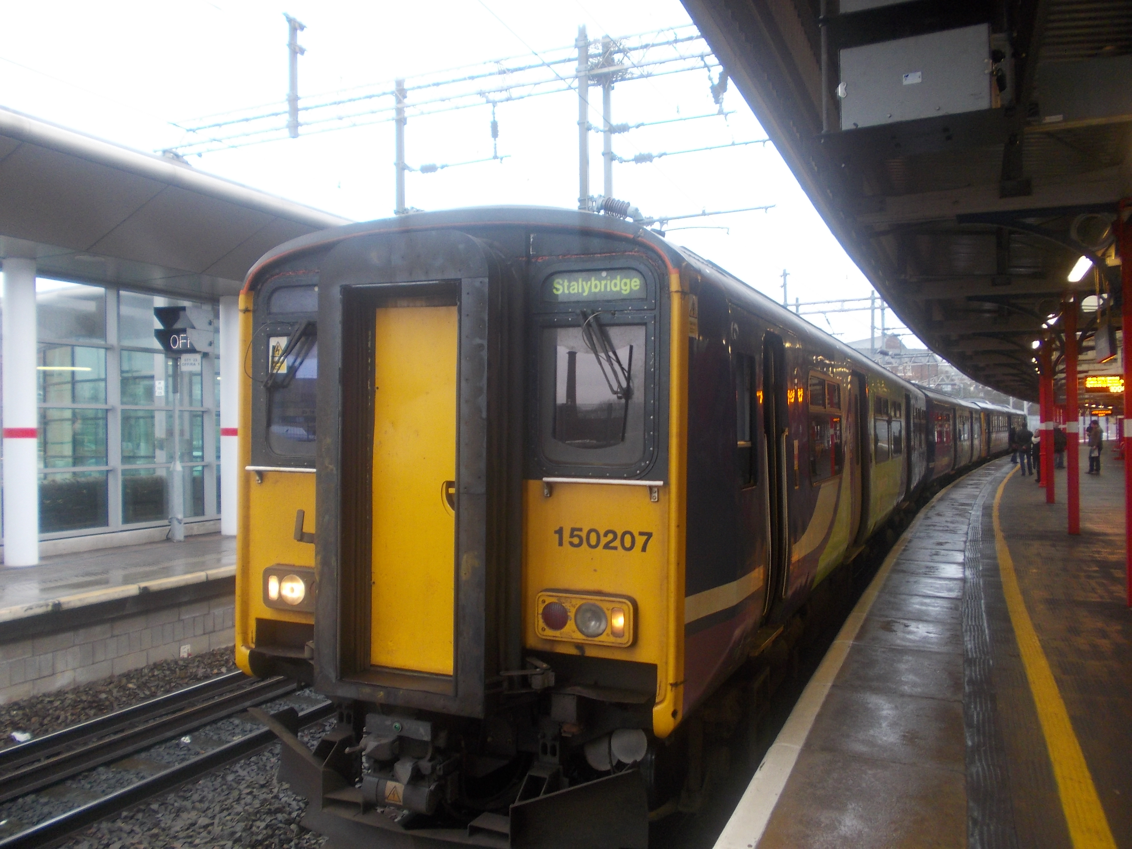 150207 at Stockport, about to work the 10:13 Denton Flyer service to Stalybridge. It had been switched from platform 3A to platform 1 about 10 mins be